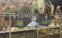Wildcats Fall 21-7, but Fans Have a Great Time